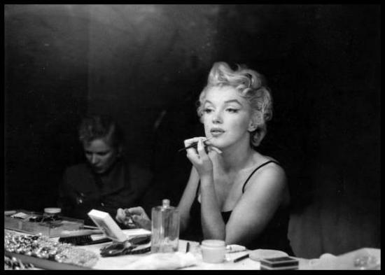 Marilyn 39 s skincare secrets revealed beauty bombshells for Beauty on table
